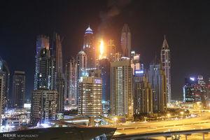 عکس/ آتش سوزی گسترده در برج مشعل دوبی