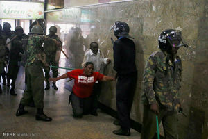 حمله پلیس به دفاتر رهبر مخالفان کنیا +عکس
