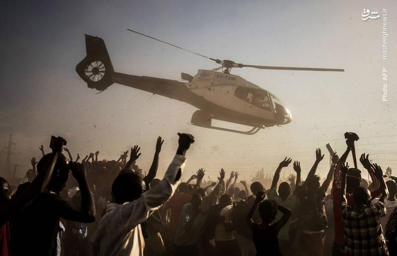 خروج کایلا اودینگا نخستوزیر اسبق کنیا از میتینگ انتخاباتی به عنوان نامزد ریاستجمهوری کنیا