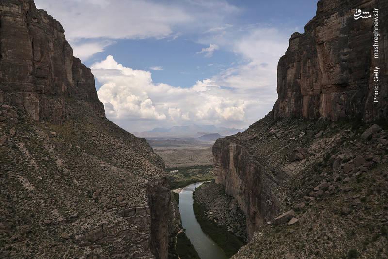 منطقهای در مرز تگزاس غربی با مکزیک که عملیاتیبودن ساخت دیوار حائل ترامپ را با چالش مواجه کرده است