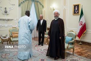 عکس/ لباس متفاوت مهمان خارجی روحانی