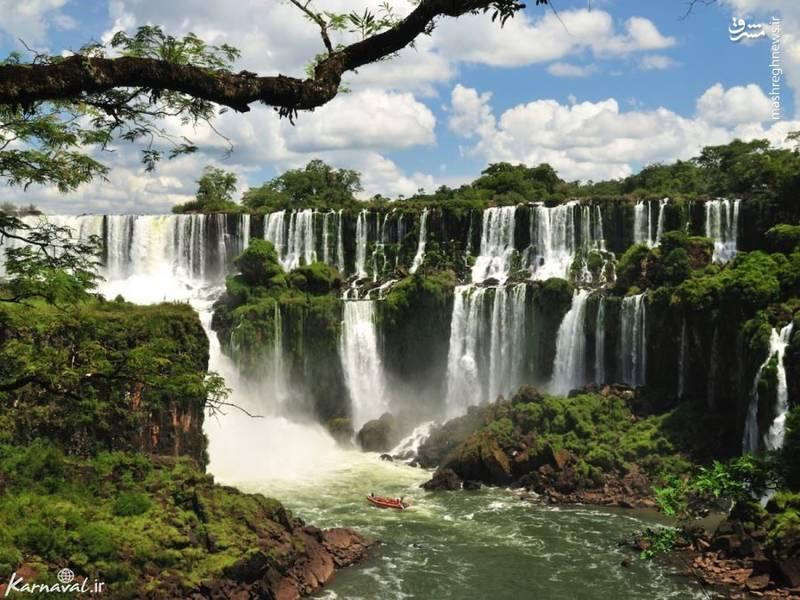 آبشار ایگواسو | آرژانتین و برزیل/ ایگواسو بزرگترین آبشار در جهان است و در مرز آرژانتین و برزیل قرار دارد.