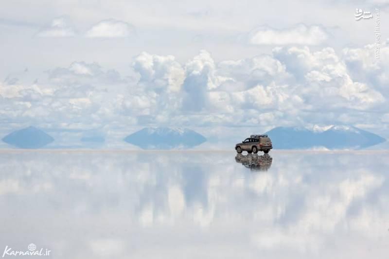 سالاردو ییونی | بولیوی/ سالاردو ییونی (Salar de Uyuni) یکی از بزرگترین شوره زارهای کره ی زمین است که در جنوب غربی بولیوی قرار دارد. یک لایه ی نازکی از آب بر روی زمین قرار دارد که سبب می شود مانند آیینه عمل کند