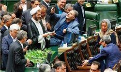 گلابی یا سلفیحقارت؛ کدام یک عکاسان مجلس را محدود میکند؟
