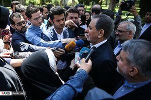 عکس/ جهانگیری در محاصره خبرنگاران