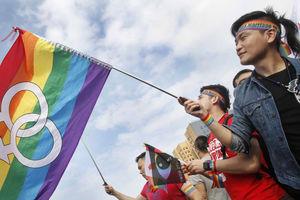 حمایت علنی یک سلبریتی از همجنس بازی +عکس