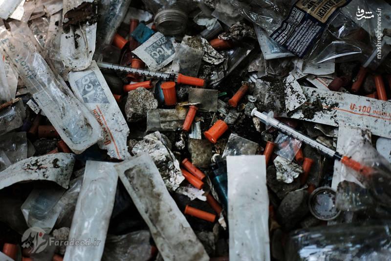 """زباله های برجا مانده از تزریق مواد مخدر در """"کنسینگتون"""""""
