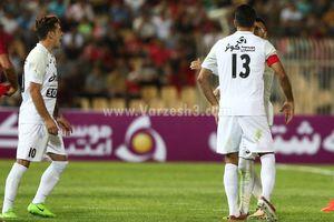عکس/ وقتی مسلمان صدای هم تیمی خود را در آورد!