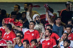 روحانی فوتبال دوست