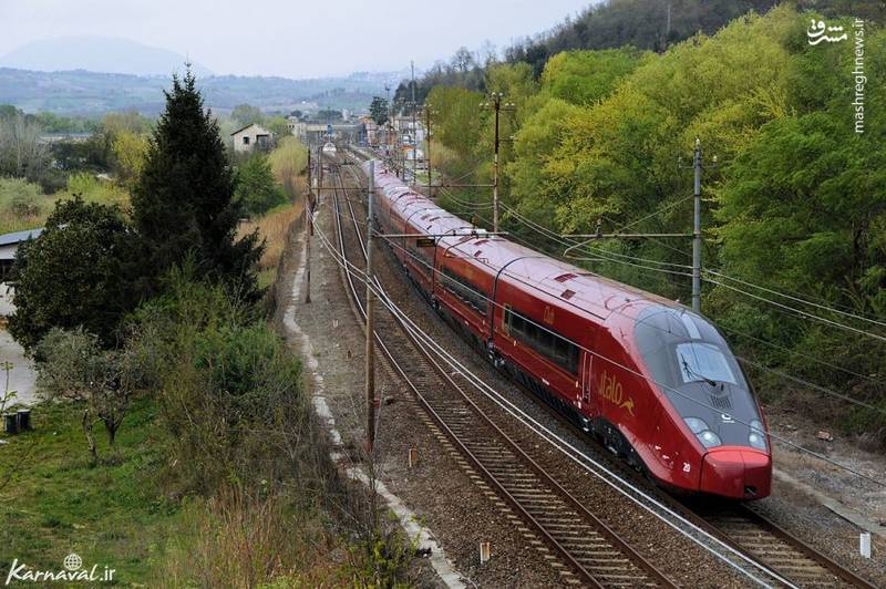 ای وی جی ایتالو/ ای وی جی ایتالو (AVG Italo) نام سریع ترین قطار در اروپاست که می تواند با حداکثر سرعت ۳۵۹.۸ کیلومتر در ساعت حرکت کند. این قطار از آوریل ۲۰۰۷، مسافران را میان رم و ناپل جا به جا می کند و فاصله ی ۲۲۵.۳ کیلومتری را در یک ساعت طی می نماید.