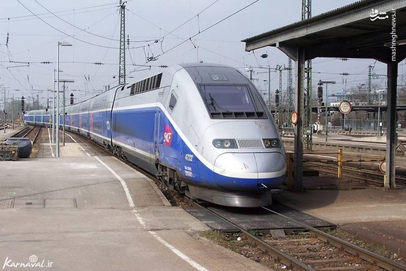 یورو دوپلکس/ قطار یورو دوپلکس نسل سوم قطارهای تی جی وی است که توسط شرکت راه آهن فرانسه SNCF اداره می شود. این قطار دو طبقه، امکان حرکت میان شبکه ریلی فرانسه، سوئیس، آلمان و لوکزامبورگ را فراهم می کند و سرعت آن حداکثر به ۳۱۹.۹ کیلومتر در ساعت می رسد.