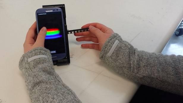 با تلفن همراهتان آزمایش خون بدهید +عکس