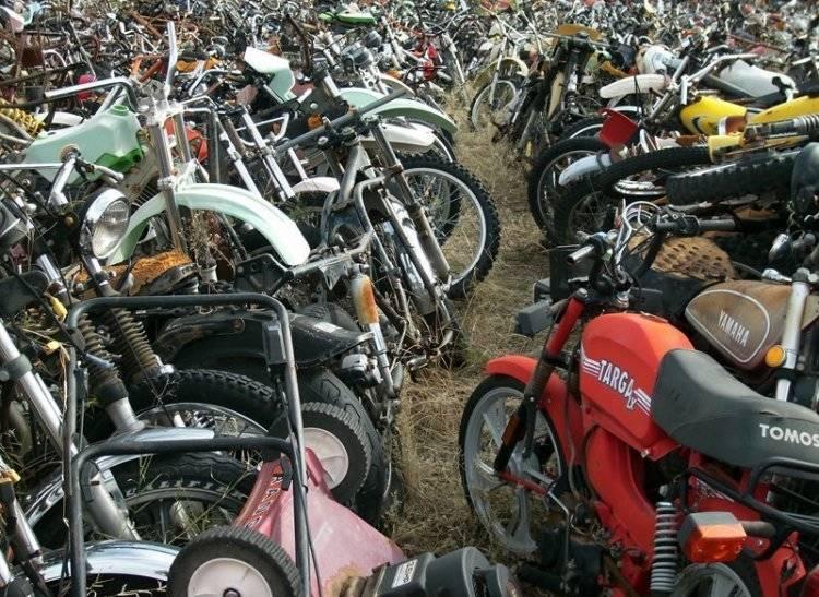 تصاویر/ گورستان موتورسیکلتها در آمریکا