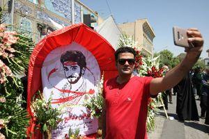 عکس/ سلفی شرافتمدانه با شهید حججی