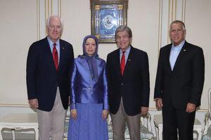 عکس/ دیدار سناتورهای آمریکایی با «مریم رجوی»
