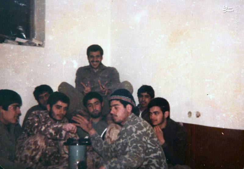 سردار شهید «محسن نورانی»(با کلاه کاموایی). سردار شهید «علی رضا ناهیدی» نیز در تصویر دیده می شود