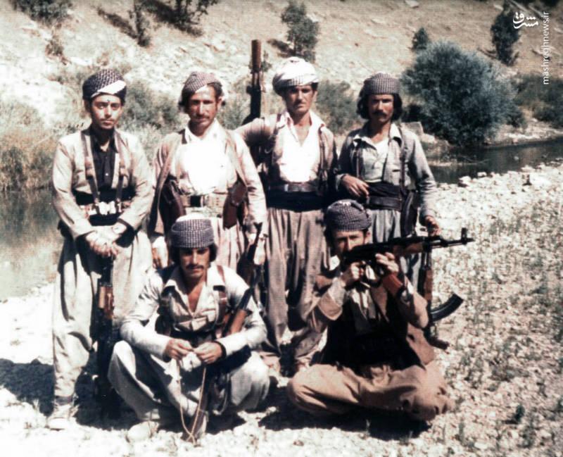 شهید «محسن نورانی»(ایستاده،نفر اول از چپ)