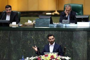 «روحانی از وزارت اطلاعات سرهنگ آورده!» چرا جریان خاص، آذریجهرمی را نمیبخشد؟/ هرگز تحت فشار نبودم؛ رئیسجمهور علیه سران چپ