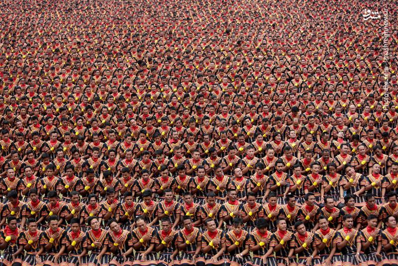 رقص معروف قوم گایو در اندونزی که با نظم خاص و عمدتاً با حرکات دست انجام میشود