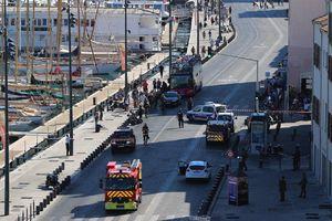 یک کشته در برخورد یک خودرو با ایستگاه اتوبوس
