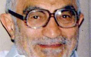 اعضای توبه کرده منافقین در جبهه شهید شدند/ پدرم هنگام قضاوت نسبت خونی را نادیده میگرفت