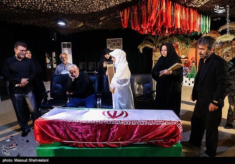 وداع با پیکر شهید تازه تفحص شده جمشید آقاجانی