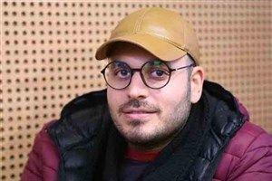 عکس/ دست به عصا شدن کارگردان «ماجرای نیمروز»