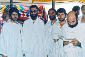 عکس/ آیت الله خامنهای در لباس احرام