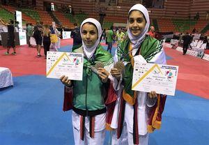 تصاویر اهدای مدال به دو دختر تکواندوی ایران