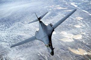 پرواز بمبافکن آمریکایی در نزدیکی سواحل کره شمالی