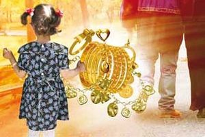 قتل دختر 5 ساله به خاطر سرقت طلا +عکس
