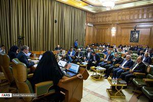 از درآوردن لباس رئیس شورا تا ترک جلسه اعضا