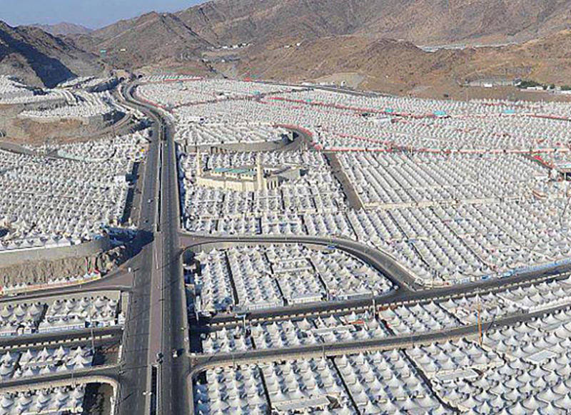 تصاویر هوایی از صحرای منا دو روز پیش از عرفات