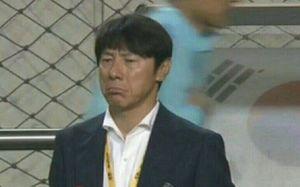 عکس/ چهره به هم ریخته سرمربی کره