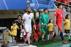 عکس/واکنش کودک کره ای به سروصدای هواداران
