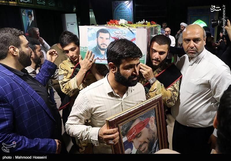 وداع با پیکر شهید مدافع حرم محمود شفیعی در معراج شهدا