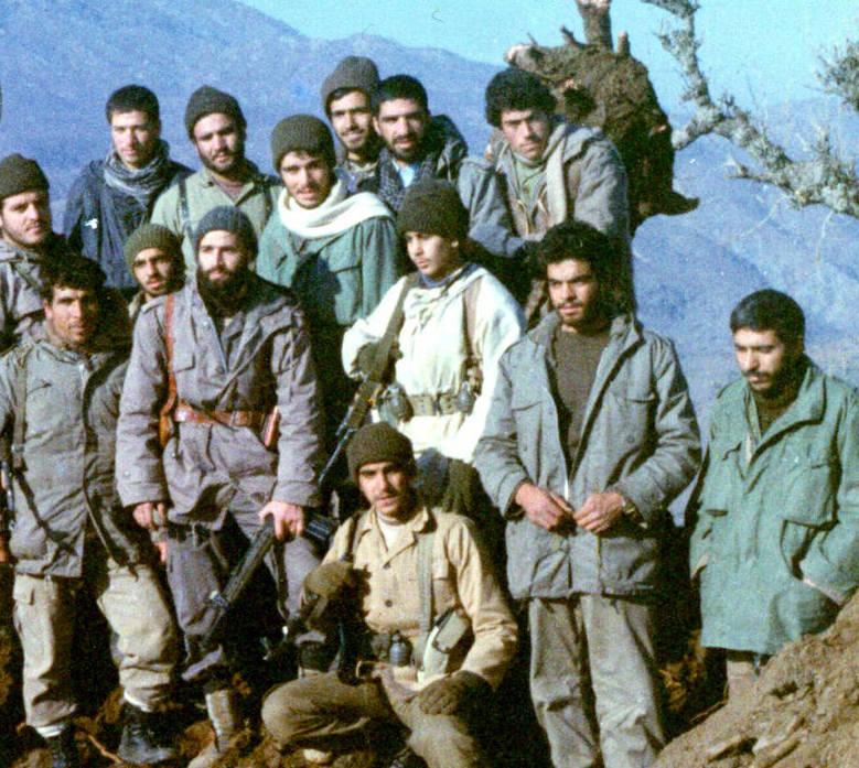 سردار شهید «محمود کاوه» شهید حاج اصغر محراب نیز در تصویر دیده می شود