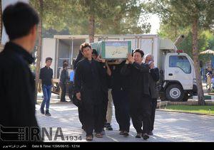 عکس/ وداع با پیکر مطهر سه شهید مدافع حرم در قم,