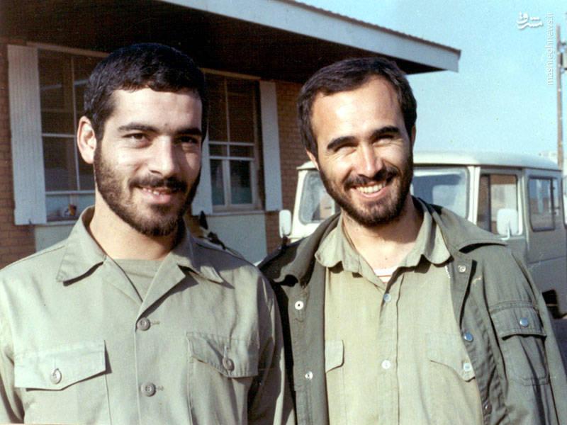 شهید اکبر آقابابایی در کنار شهید حاج حسین خرتزی