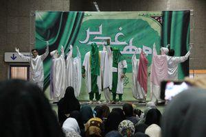عکس/ برنامههای جشن دهه ولایت در متروی تهران