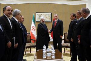عکس/ دیدار روحانی با اردوغان در آستانه