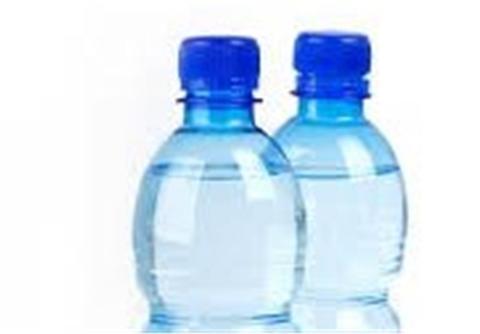قاضیپور: مسولان مانع ورود آب معدنی به کشور شوند