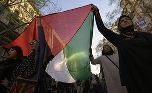 تجمع اردنیها مقابل سفارت آمریکا