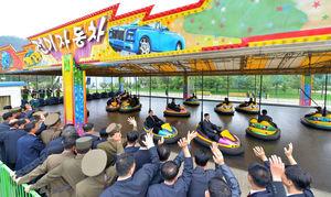 خوشگذرانی دانشمندان کره شمالی