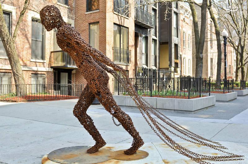 مجسمههایی زیبا از جنس زنجیر