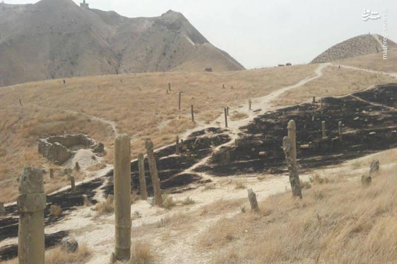 آتشسوزی که در ۱۶ شهریور ۱۳۹۶ اتفاق افتاد، در حدود ۳ هکتار از مساحت این منطقه را سوزاند. در پی این آتشسوزی تعدادی از تندیسهای سنگی نیز به کام آتش کشیده شدند و در نتیجه، چهرهی تلخی از این مکان زیبا برجای ماند.