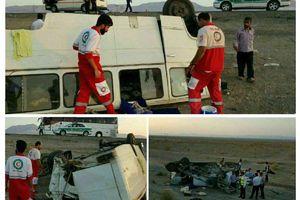 تصادف مینیبوس و اتوبوس در محور تهران مشهد