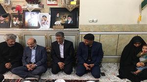 دیدار رئیس رسانه ملی با خانواده شهید محسن حججی + عکس