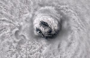 چشم طوفان خوزه از نگاه ماهواره
