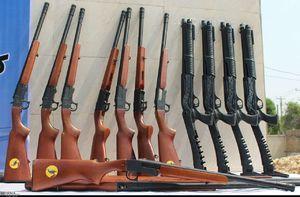 عکس/ کشف دهها قبضه سلاح غیرمجاز در خوزستان